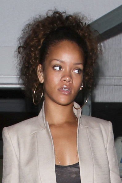 Rihanna  R4